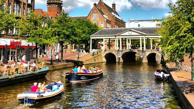 Benvenuto a leida la piccola amsterdam meeting benches for Case galleggianti amsterdam